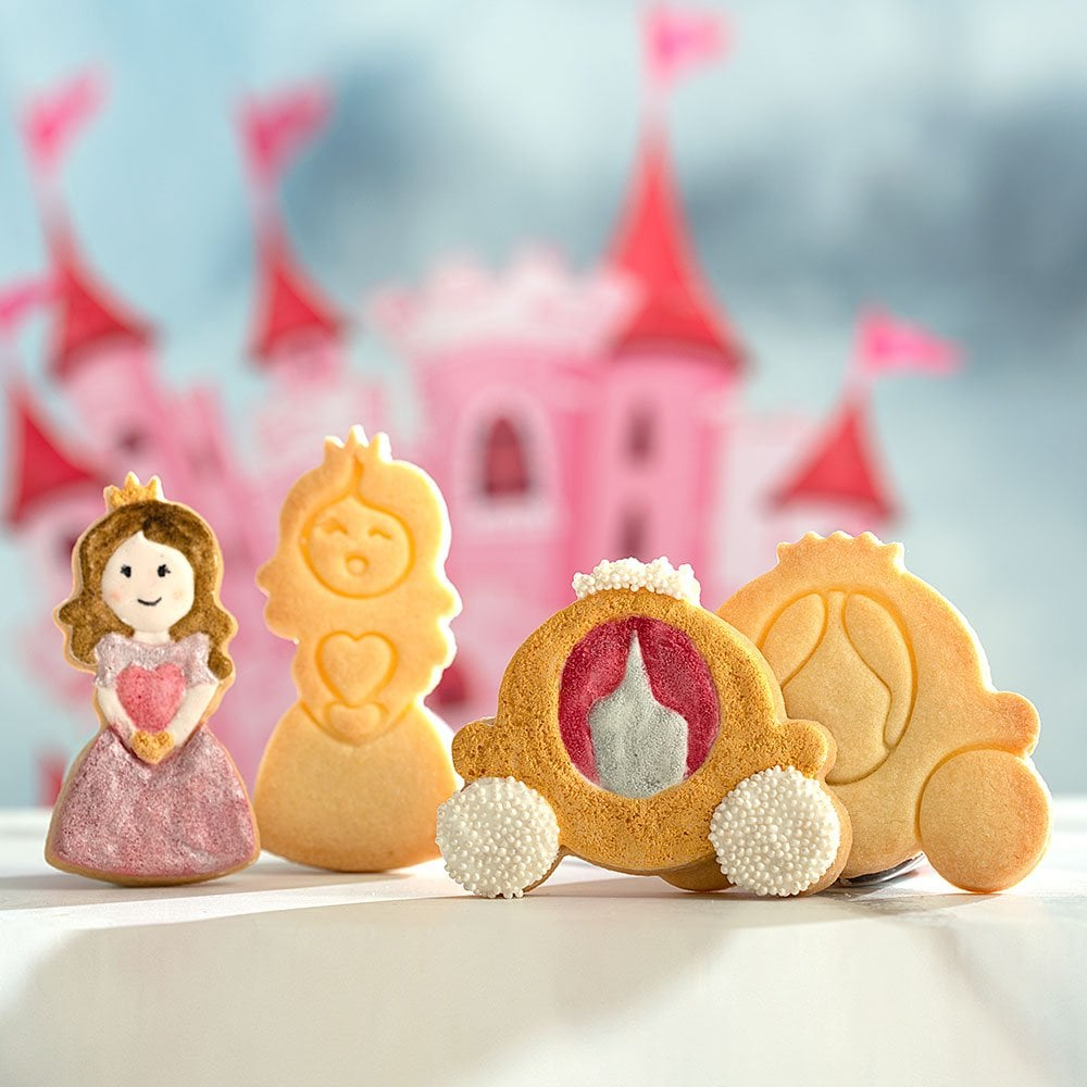 Plastic Cookie Cutters Set Of 2 By Decora