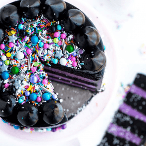 JET BLACK FROSTING WITH GLAM ROCK SPRINKLES